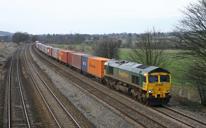 66538, 05.51 Leeds-Southampton, Lower Basildon, near Pangbourne, 10-2-04.