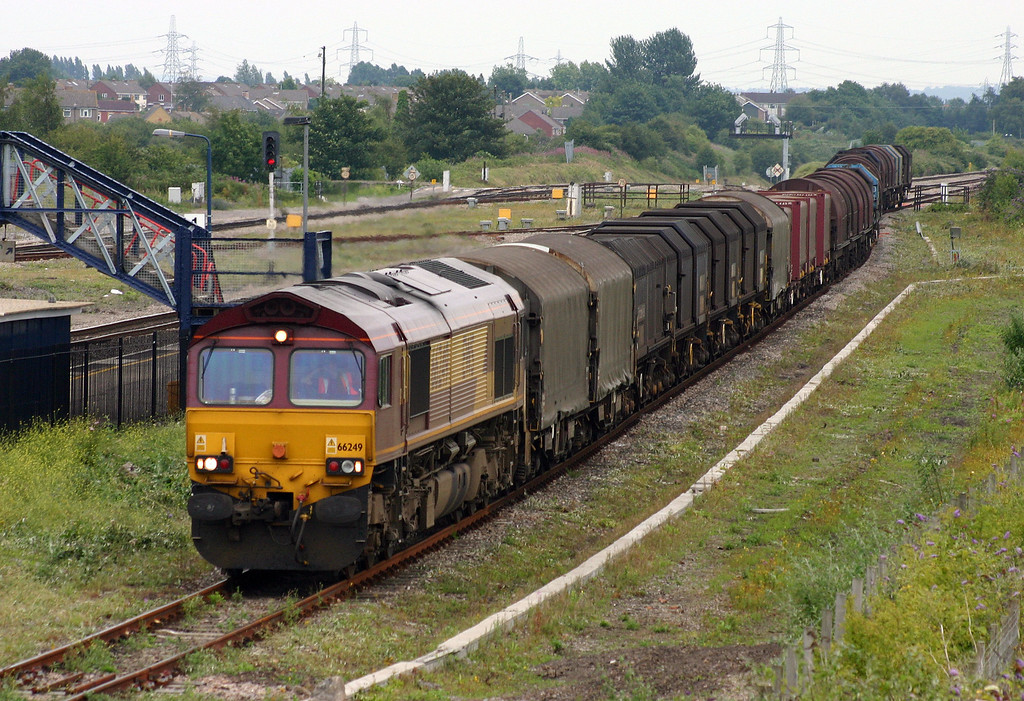 66249, 13.20 Round Oak-Llanwern, Severn Tunnel Junction, 20-7-04.