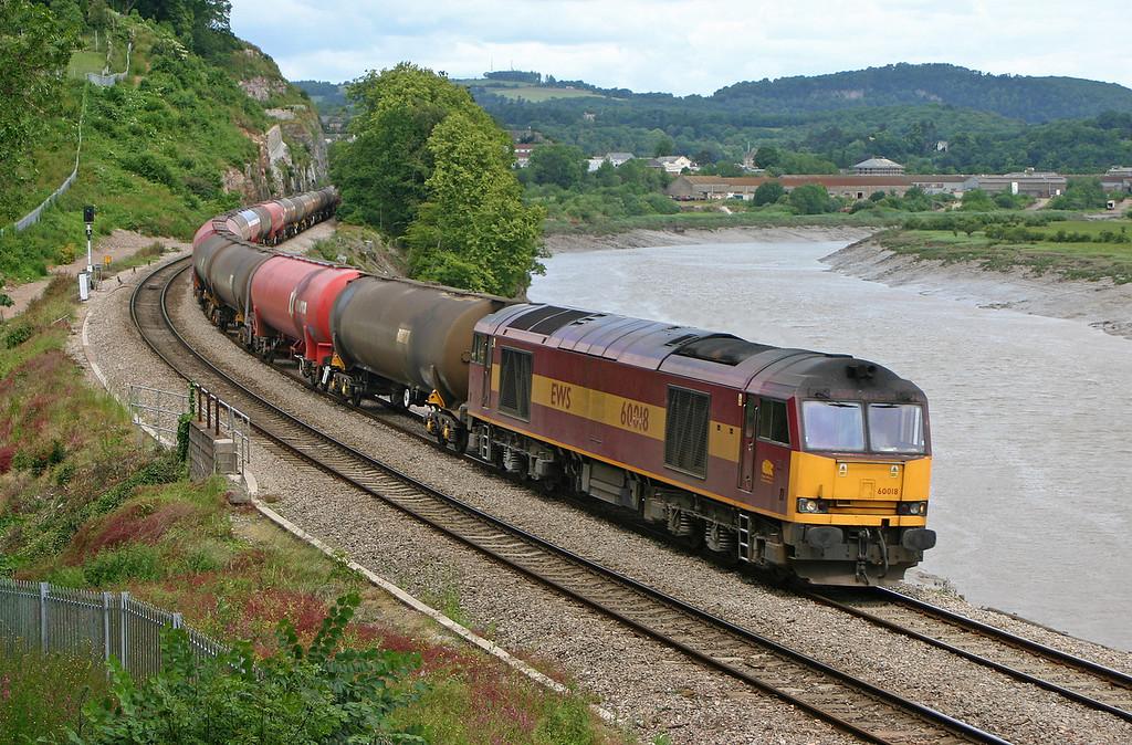60018, 10.17 Westerleigh-Robeston, Bulwark, Chepstow, 12-6-04.