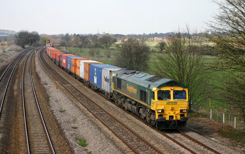 66533, 05.51 Leeds-Southampton, Lower Basildon, near Pangbourne, 31-3-04.