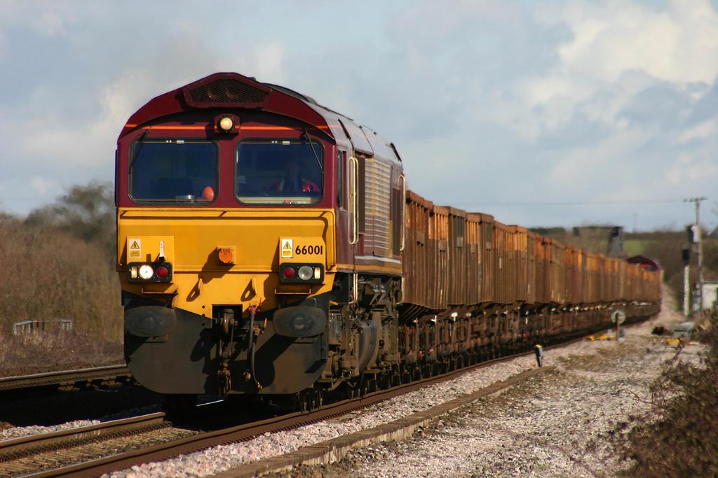 66001/66135, Highbridge-Taunton Fairwater Yard, Cogload Junction, 13-3-04.
