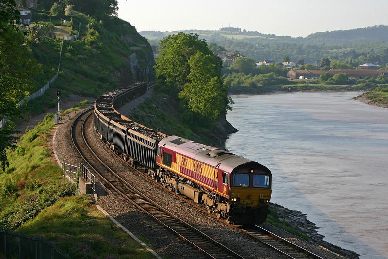66003, Beeston-Cardiff Tidal, Bulwark, near Chepstow, 18-5-04.