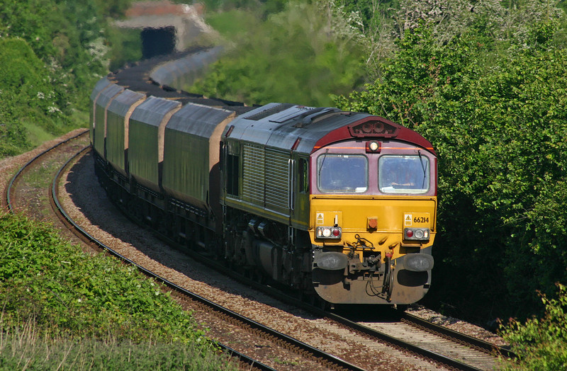 66214, 08.23 Avonmouth Bulk Handling Terminal-Aberthaw Power Station, Brentry, Bristol, 22-5-04.
