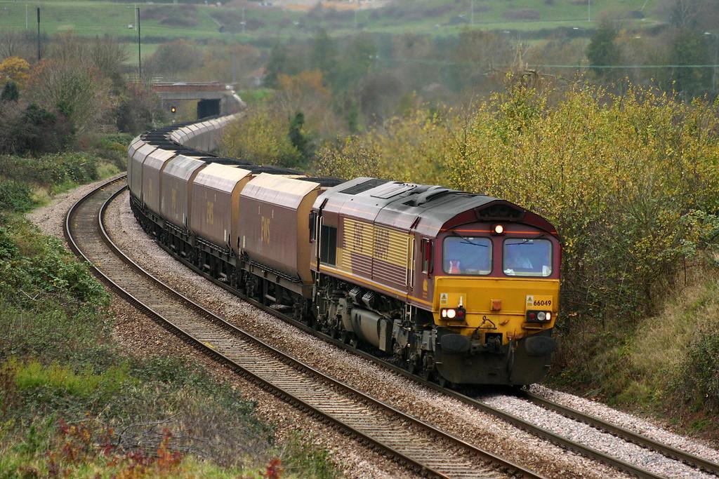 66049, 12.46 Avonmouth Bulk Handling Terminal- Didcot Power Station, Brentry, Bristol, 17-11-04.