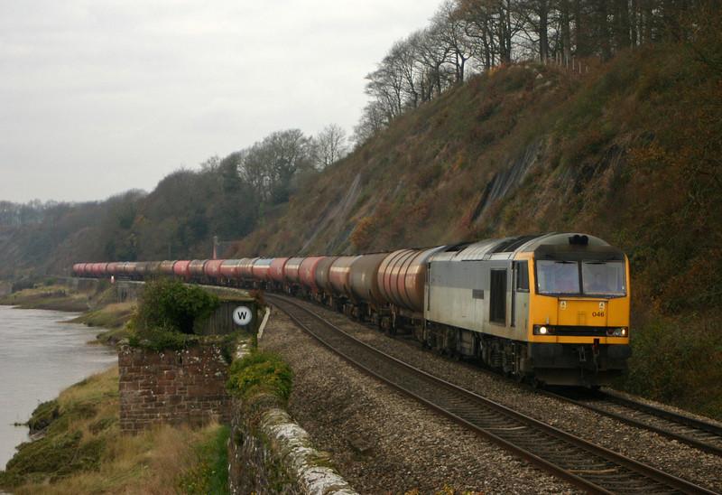 60046, 05.36 Robeston-Westerleigh, Gatcombe, near Lydney, 30-11-04.