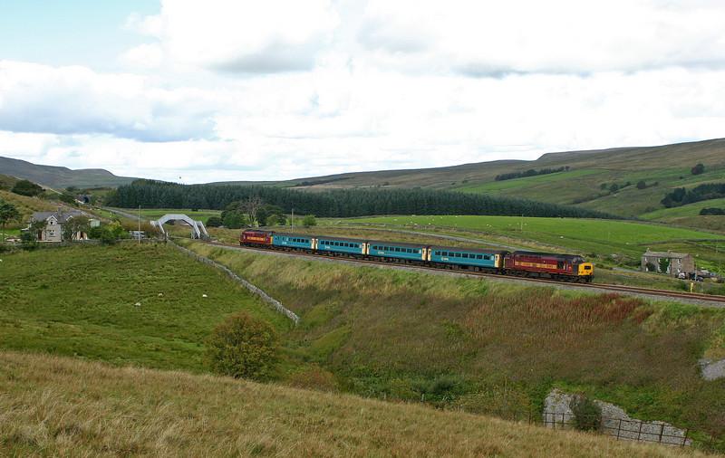 37408/37411, 13.33 Carlisle-Leeds, Grisedale Crossing, near Garsdale, 15-9-04.