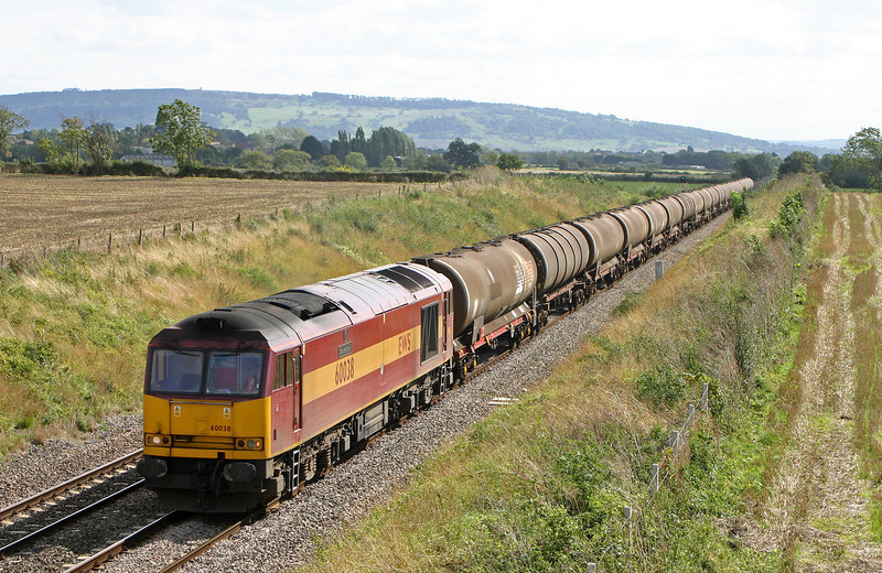 60038, 13.18 Westerleigh-Lindsey, Besford, near Pershore, Worcestershire, 16-9-04.