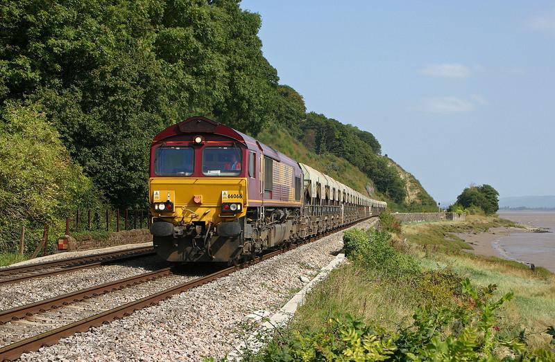 66066, 09.10 Banbury-Cardiff Tidal, Gatcombe, 7-9-04.