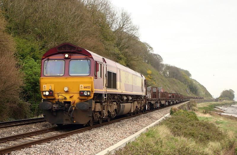 66123, 05.55 Lackenby-Llanwern, Gatcombe, 11-4-05.