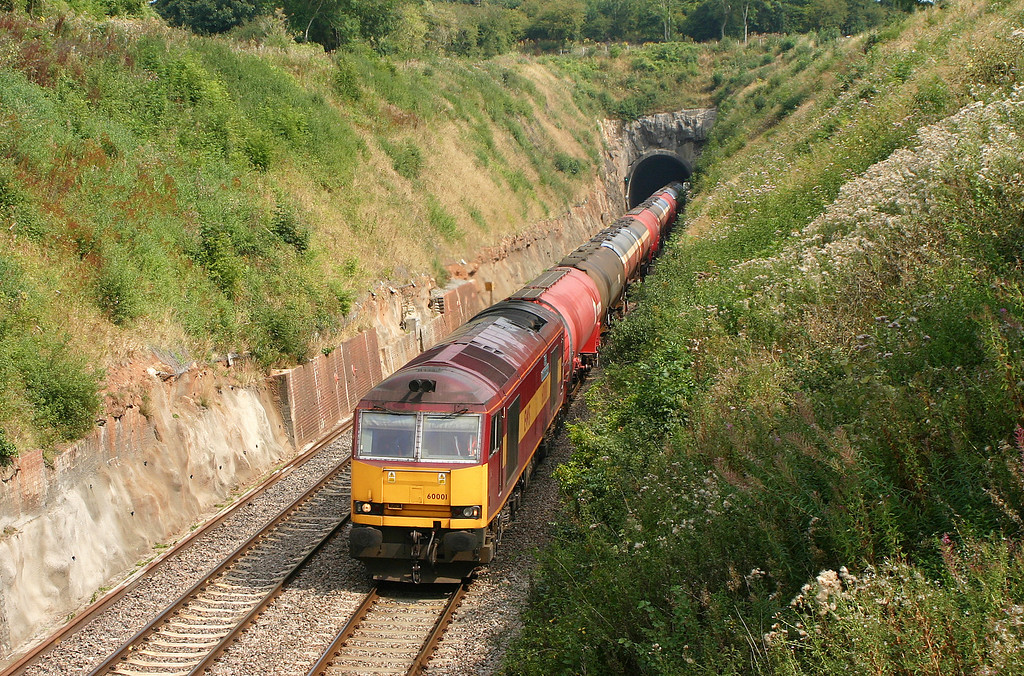 60001, 05.33 Robeston-Westerleigh, Wickwar Tunnel, Gloucestershire, 18-8-05.