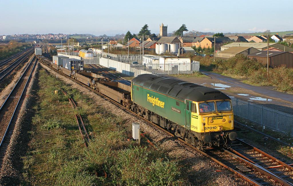 57010, 10.03 Cardiff Wentloog-Southampton Millbrook, Severn Tunnel Junction, 6-12-05.