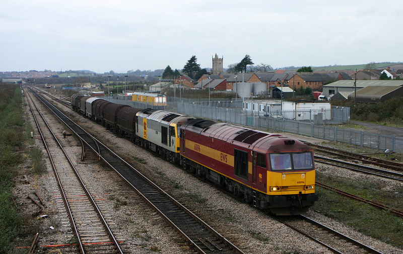 60096/60090, 09.29 Margam-Lackenby, Severn Tunnel Junction, 22-12-05.