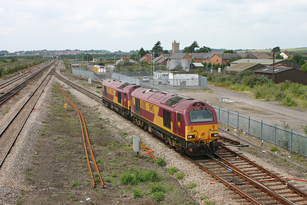 67015/67028, Newport Alexandra Dock Junction-Avonmouth, light, Severn Tunnel Junction, 26-7-05.