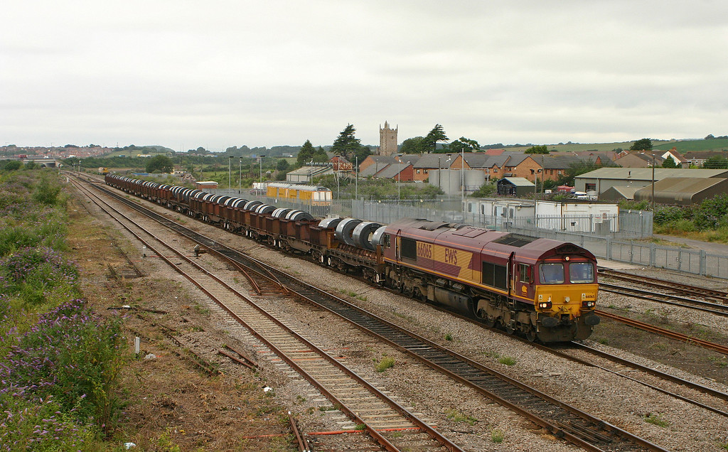 66065, 05.55 Margam-Corby, Severn Tunnel Junction, 18-7-05.