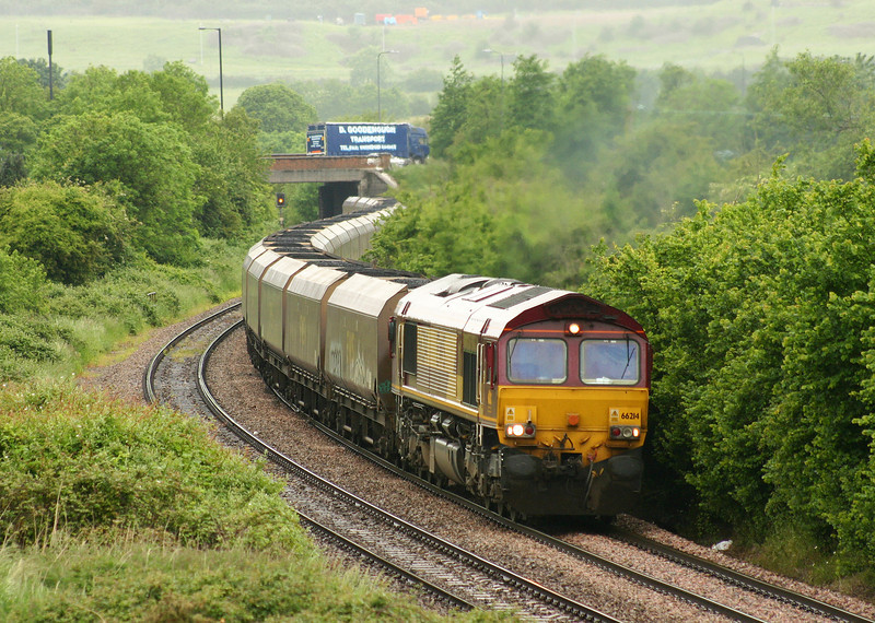 66214, 12.46 Avonmouth Bulk Handling Terminal-Didcot Power Station (load x 25), Brentry, Bristol, 1-6-05.
