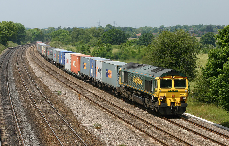 66503, 05.53 Leeds-Southampton,<br /> Lower Basildon, near Pangbourne, 9-6-05.