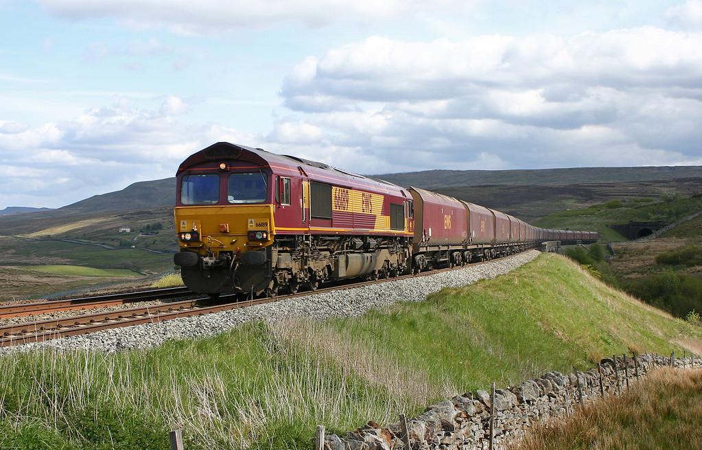 66189, 13.00 Milford Sidings-Ayr, Grisedale Crossing, near Garsdale, 17-5-05.