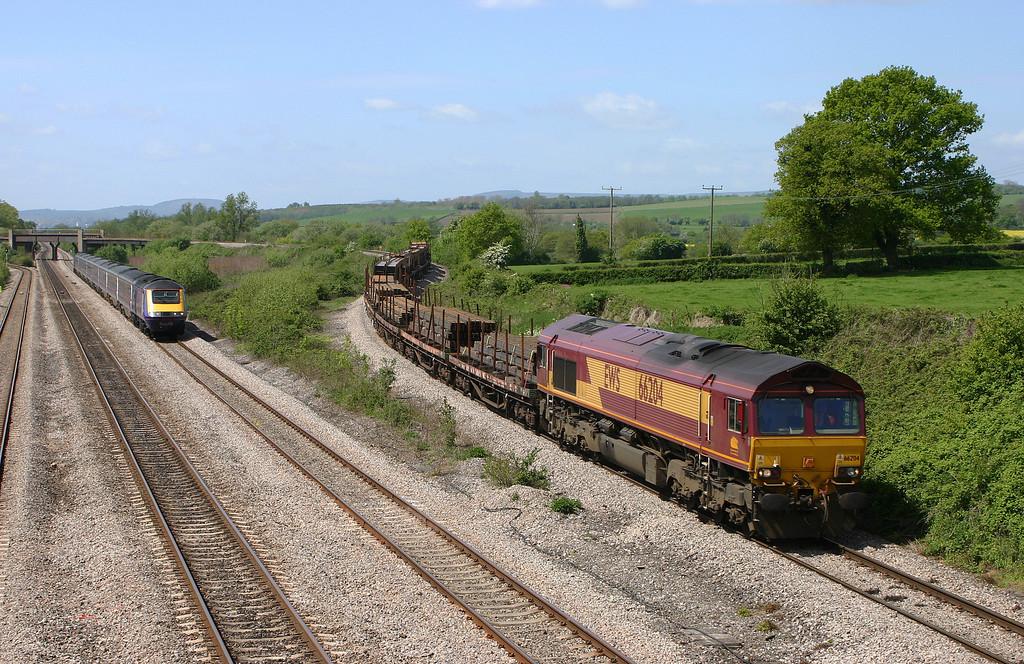 66204, 09.11 Newport Alexandra Dock Junction-Bristol East Depot?, Llandevenny, near Llanwern, 6-5-05. 43033/43147, 11.30 Swansea-Paddington, The St David.