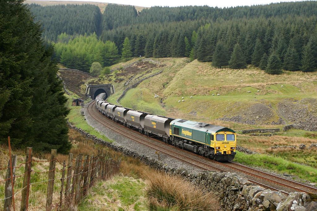 66519, 07.30 Drax Power Station-Killoch, Blea Moor Tunnel, 18-5-05.