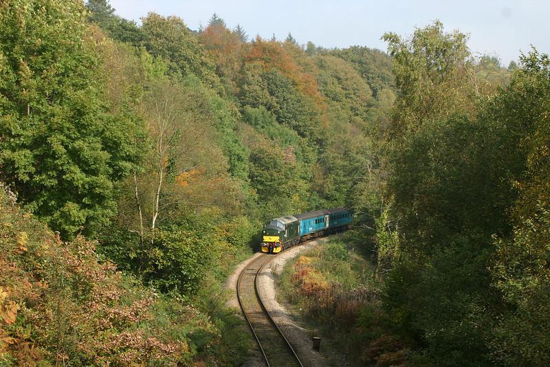 37411, 11.15 Rhymney-Cardiff Central, Bargoed, 15-10-05.