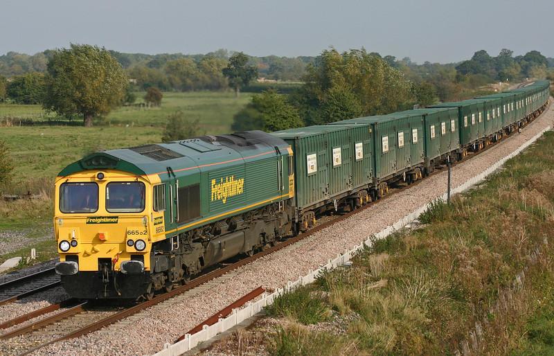 66562, 10.55 Calvert-Bath-Bristol binliner, Shrivenham, 11-10-05.
