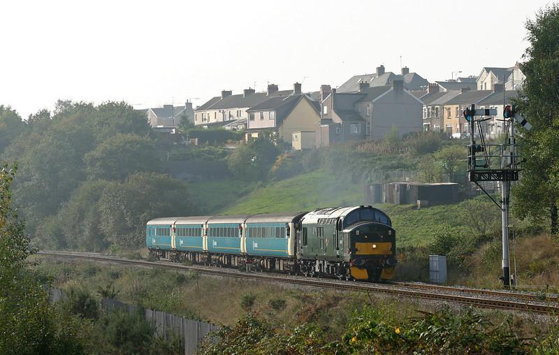 37411, 09.59 Cardiff Central-Rhymney, Bargoed, 15-10-05.
