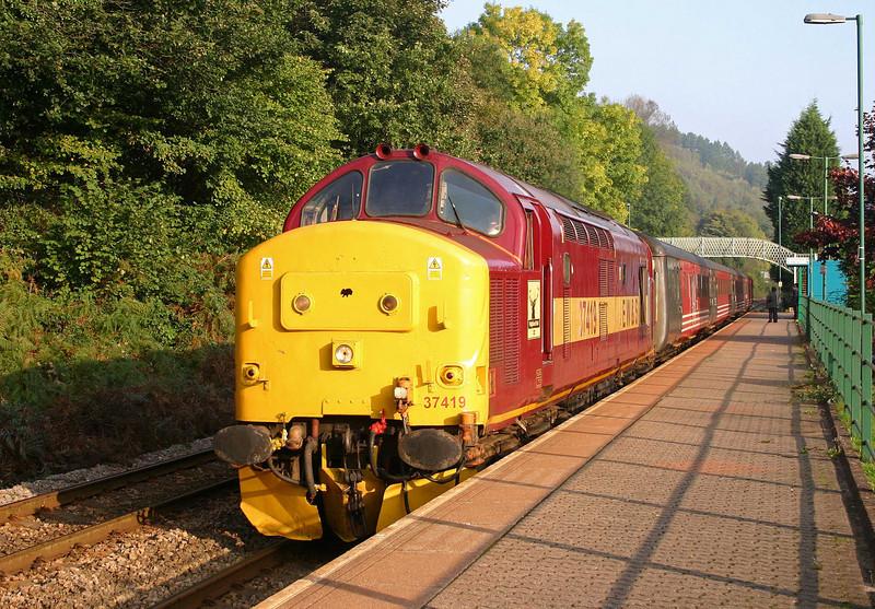 37419, 09.13 Rhymney-Cardiff Central, Llanbradach, 15-10-05.