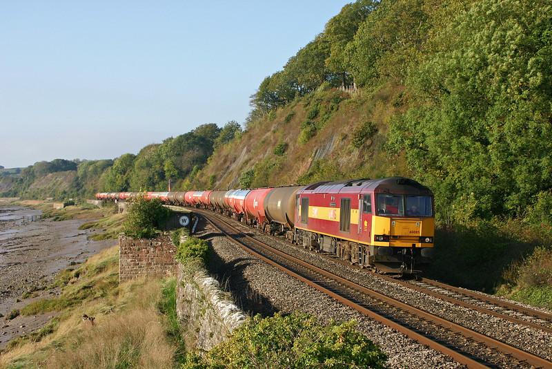 60085, 05.33 Robeston-Westerleigh, load x 24, Gatcombe, 27-10-05.