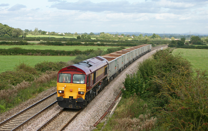 59204, 11.49 Fareham-Merehead Quarry, Berkley Marsh, near Frome, 29-9-05.