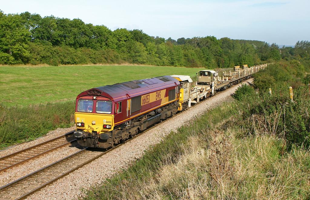 66053, 10.05 Westbury Yard-Eastleigh Yard, Upton Scudamore, near Westbury, 29-9-05.