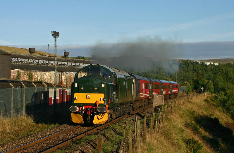 37411, 08.04 Rhymney-Cardiff, Rhymney, 17-9-05.