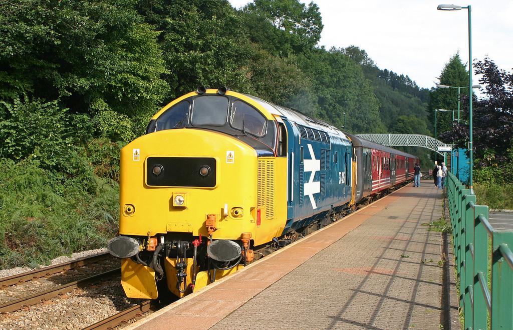 37425, 10.15 Rhymney-Cardiff, Llanbradach, 17-9-05.