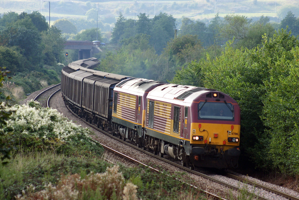 67016/67020, 16.23 Avonmouth-Wembley, Brentry, Bristol, 22-9-05.