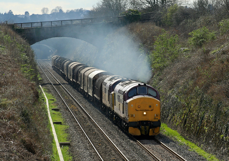 37670/37669, 12.22 Margam-Round Oak, Sedbury Lane, Chepstow, 4-4-06.