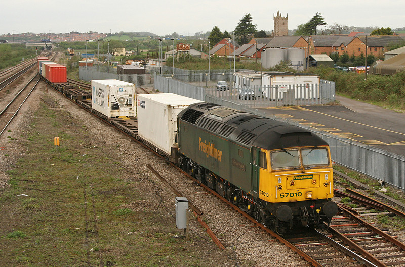 57010, 10.02 Cardiff Wentloog-Southampton, Severn Tunnel Junction, 27-4-06.