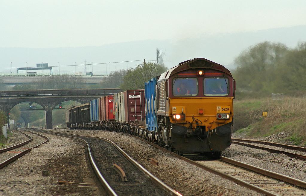 66217, 16.39 Newport Alexandra Dock Junction-Wembley Yard, Pilning, 20-4-06.
