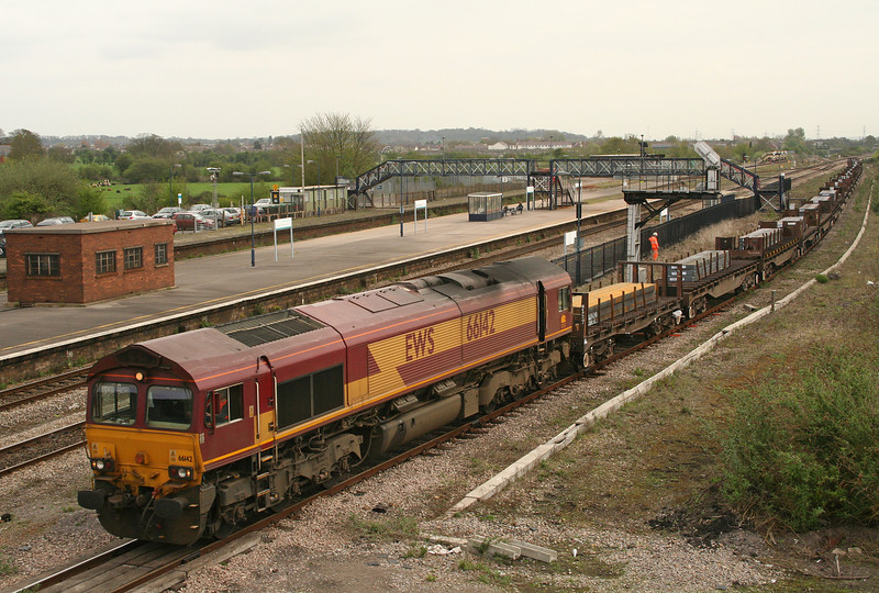 66142, 00.50 Lackenby-Llanwern, Severn Tunnel Junction, 27-4-06.