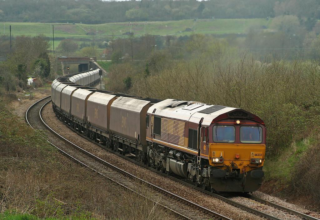 66232, 11.12 Avonmouth Bulk Handling Terminal -Didcot Power Station, load x 25, Brentry, Bristol, 20-4-06.