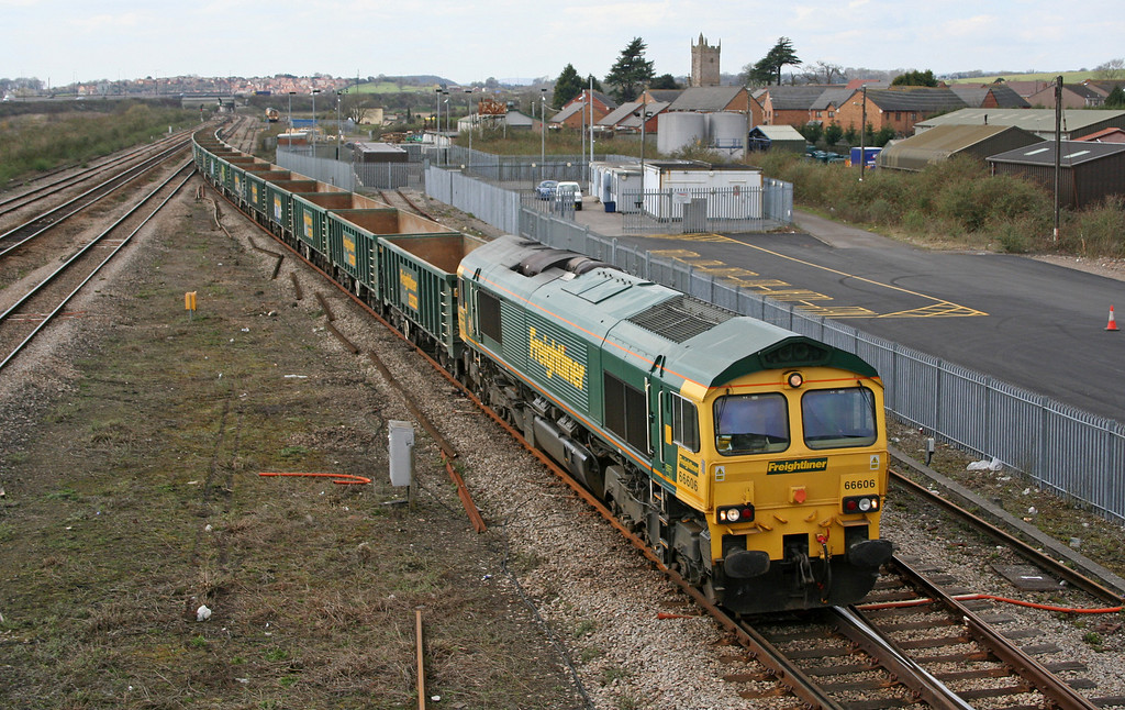 66606, unidentified eastbound MBAs, Severn Tunnel Junction, 4-4-06