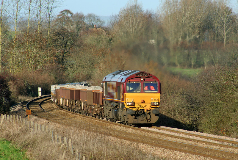 66135, 10.49 Hinksey Virtual Quarry-Eastleigh Yard, Upton Scudamore, near Westbury, 2-12-06.