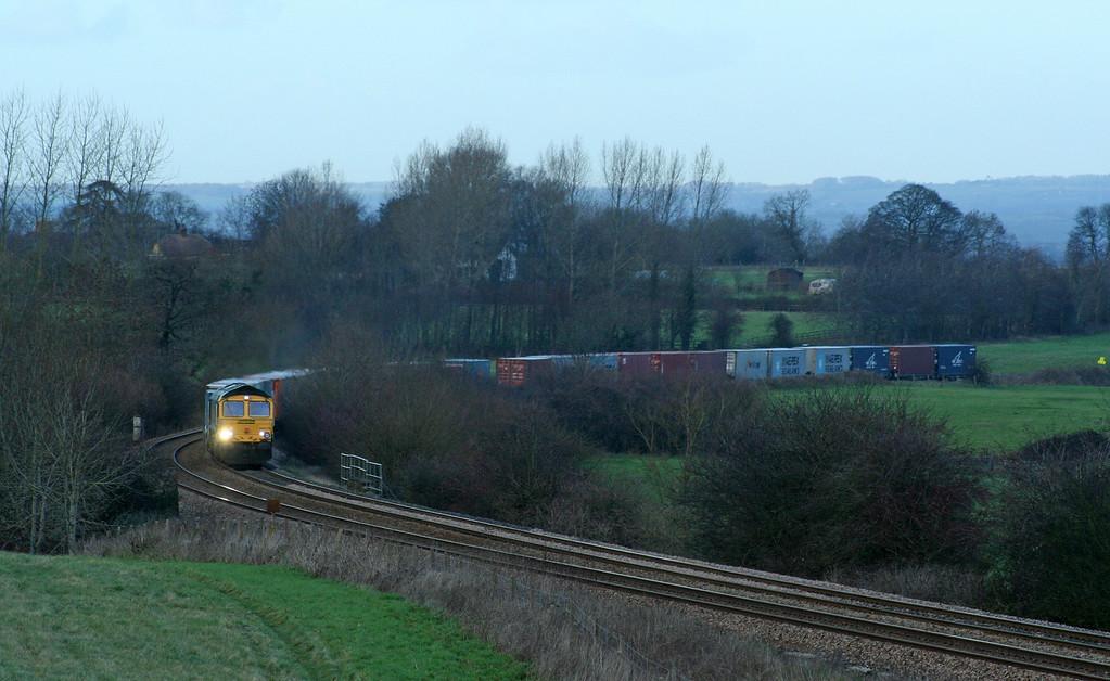 66579, 04.56 Leeds-Southampton, Upton Scudamore, near Westbury, 9-12-06.