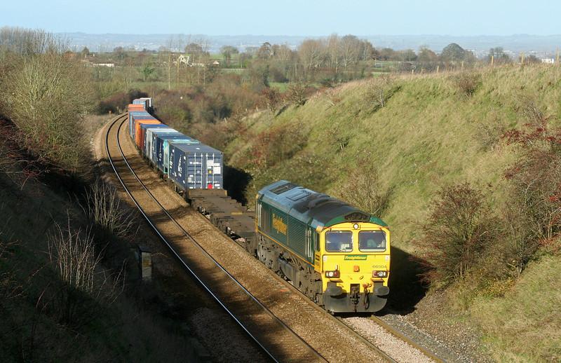 66504, 04.32 Garston-Southampton, Upton Scudamore, near Westbury, 2-12-06.