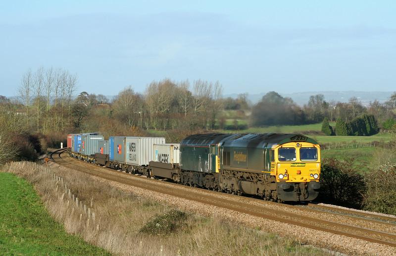 66573/47830 (dead), 01.35 Ditton-Southampton, Upton Scudamore, near Westbury, 2-12-06.