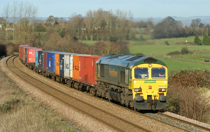 66503, 04.32 Garston-Southampton, Upton Scudamore, near Westbury, 9-12-06.