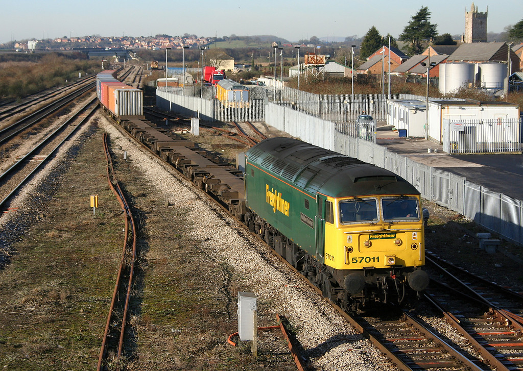 57011, 10.02 Cardiff Wentloog-Southampton Millbrook, Severn Tunnel Junction, 10-2-06.