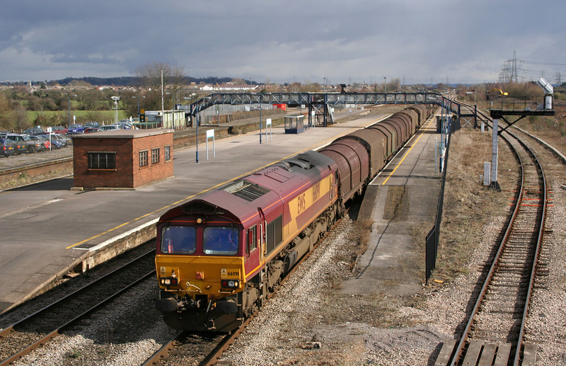 66091, 09.39 Round Oak-Margam, Severn Tunnel Junction, 28-2-06.