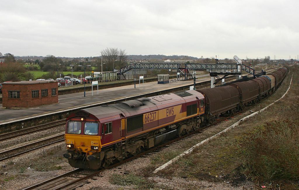 66237, 09.39 Round Oak-Margam, Severn Tunnel Junction, 4-1-06.