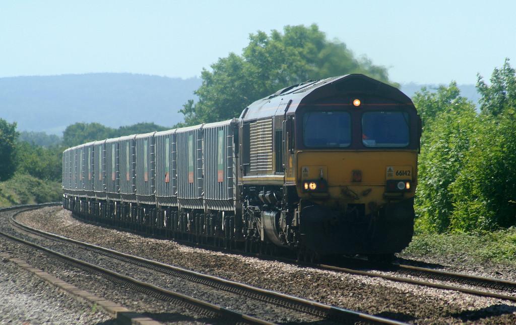 66142, 11.14 Exeter Riverside Yard-Westbury Yard, Cogload Junction, 14-7-06.