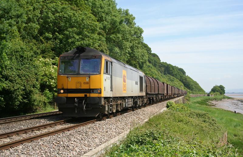 60028, 09.39 Round Oak-Margam, Gatcombe, near Lydney, 5-6-06.