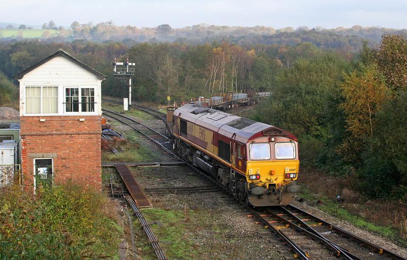 66169 tailing diverted 09.54 Margam-Llanwern, 60021 at front, Tondu, 5-11-06.